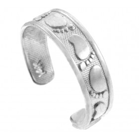 Classy Footprint Toe Ring in 9ct White Gold