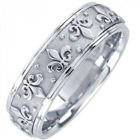 Men's Fleur-De-Lis Decorative Wedding Ring in 9ct White Gold